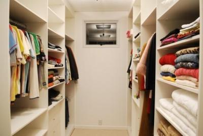 Grupo Nova Casa Móveis e Decorações - Guarda Roupa 5 - Closet